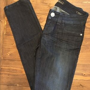 Guess size 25 dark jeans